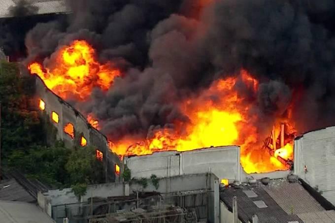 Incêndio na Vila Maria, Zona Norte de São Paulo (24/12/2019)