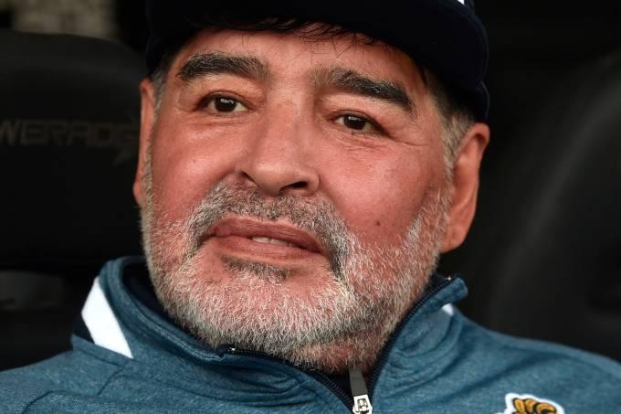 Diego Armando Maradona, técnico do Ginmasia La Plata
