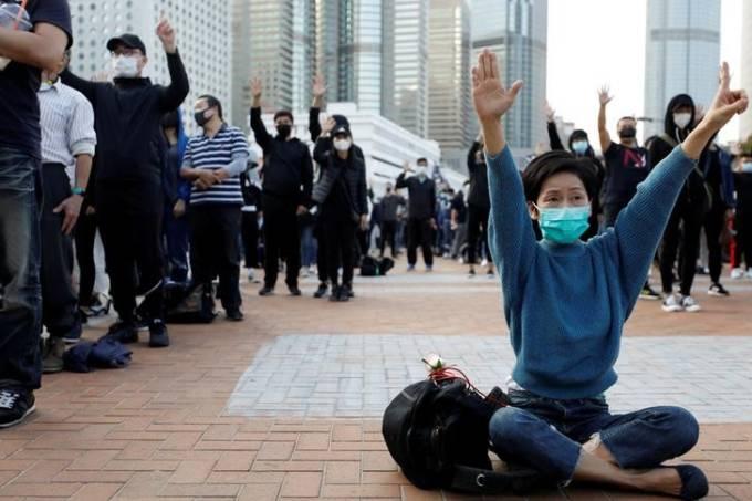 Manifestantes antigoverno protestam em Hong Kong