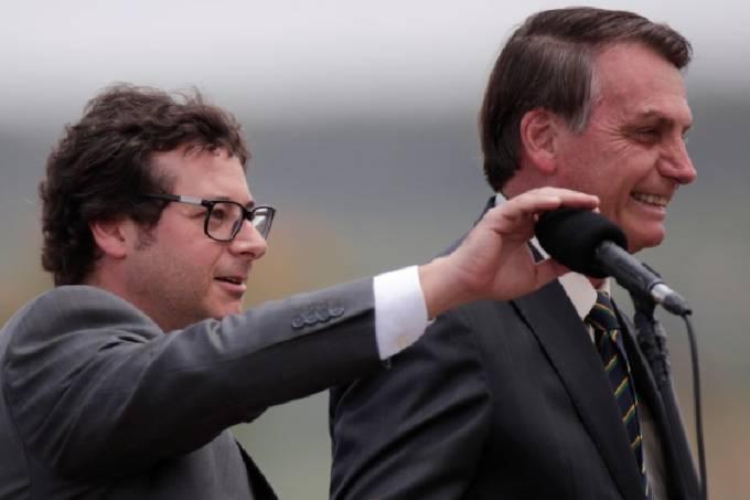 Secretário de Comunicação Social da Presidência, Fábio Wajngarten, ao lado do presidente Jair Bolsonaro, em evento no Palácio da Alvorada (19/11/2019)
