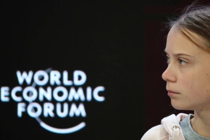 Ativista Greta Thunberg fala em painel do 50º Fórum Econômico Mundial, em Davos, Suíça