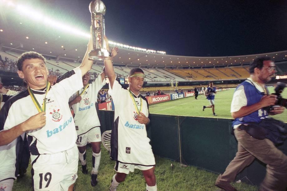 Jogadores do Corinthians comemoram o título do Mundial de Clubes da Fifa, no Maracanã.