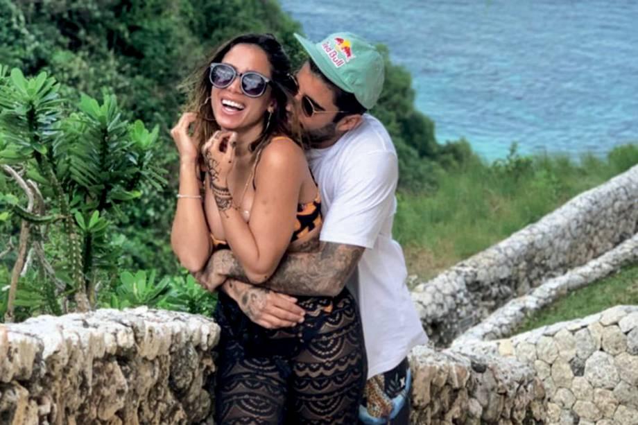 PEDRO SCOOBY- Três meses depois da lua de mel iniciada em Bali, o casal terminou por telefone, para a alegria da ex dele Luana Piovani