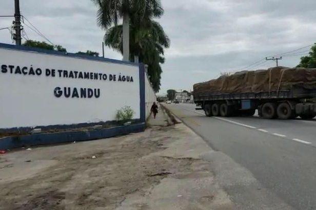 Carga de carvão chega à Estação de Tratamento de Água (ETA) Guandu, da Companhia Estadual de Águas e Esgotos (Cedae), no Rio de Janeiro