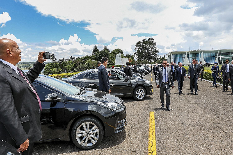 QUE GARAGEM - Parte da frota de 102 carros: o especialista em gestão Vicente Falconi ia ajudar a cortar os excessos