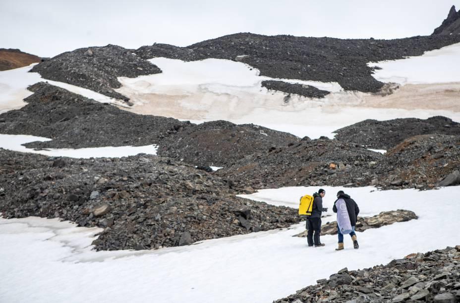 Análises podem ser feitas em qualquer material: neve, gelo, rocha ou solo
