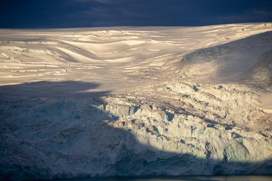 Geleira em área próxima à Estação Antártica Comandante Ferraz