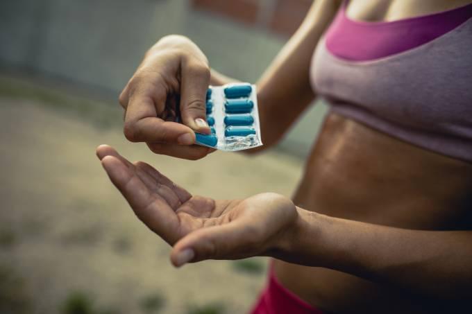 suplemento – exercício – mulher – atividade física – fitness