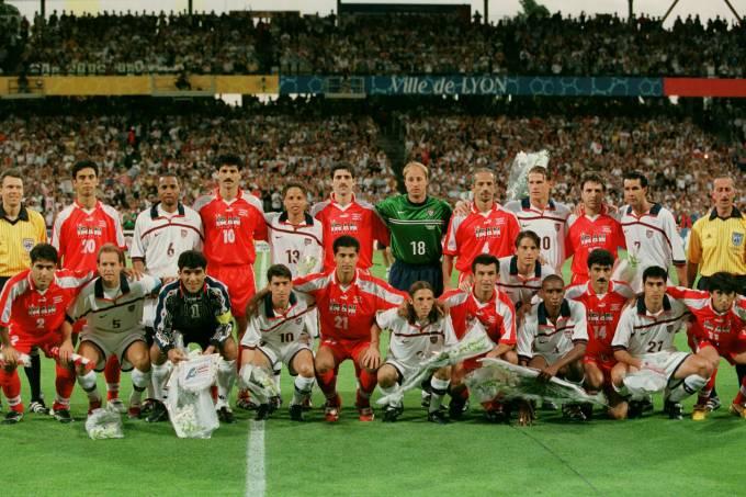 Times de Irã e Estados Unidos se uniram antes da partida pela Copa do Mundo de 1998