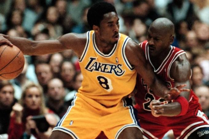 Troca de guarda: Kobe Bryant contra Michael Jordan no fim da década de 90