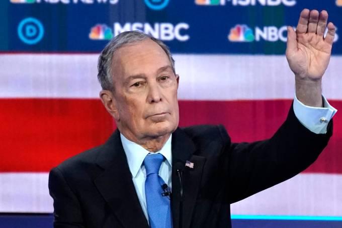 Michael Bloomberg durante debate entre pré-candidatos democratas à Presidência dos EUA em Las Vegas