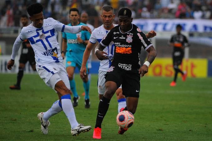 Partida entre Água Santa x Corinthians pelo Campeonato Paulista