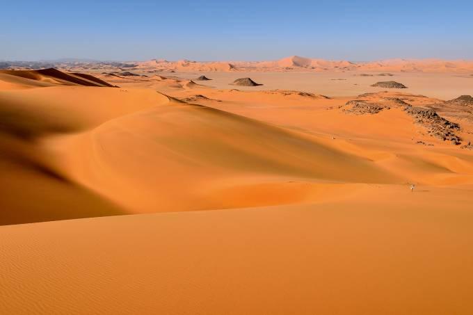 Sanddunes of Oued In Djerane, Tadrart, Tassili n'Ajjer National Park, Sahara, Algeria