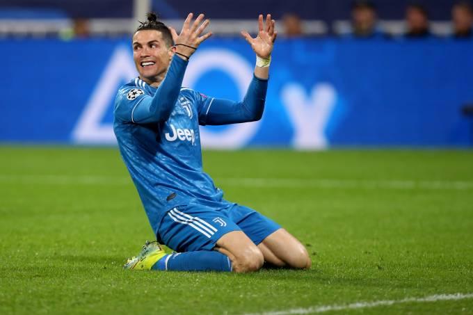 Cristiano Ronaldo, da Juventus, lamenta chance perdida contra o Lyon