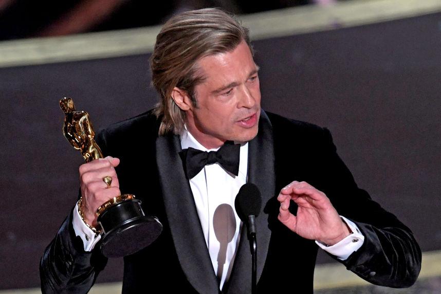 """Brad Pitt vence o prêmio de Melhor Ator Coadjuvante pela atuação no filme """"Era uma vez em... Hollywood"""""""