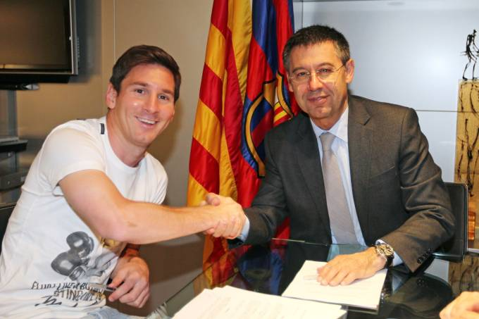 Lionel Messi Signs New Contract With FC Barcelona