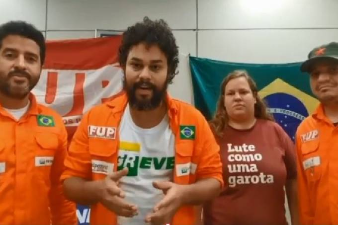 Grupo de grevistas está acampado na sede da Petrobras