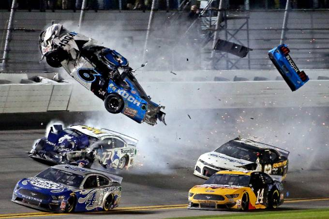 Ryan Newman acidente Nascar