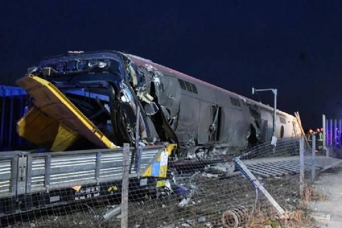 Trem descarrilado Itália