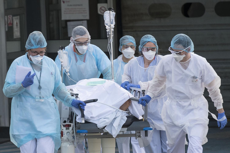 Mortes por coronavírus em todo o mundo ultrapassam 10.000 | VEJA