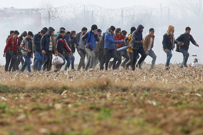 Refugiados na fronteira da Turquia com a Grécia