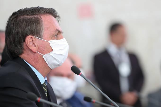 Jair Bolsonaro-coronavirus-mascara