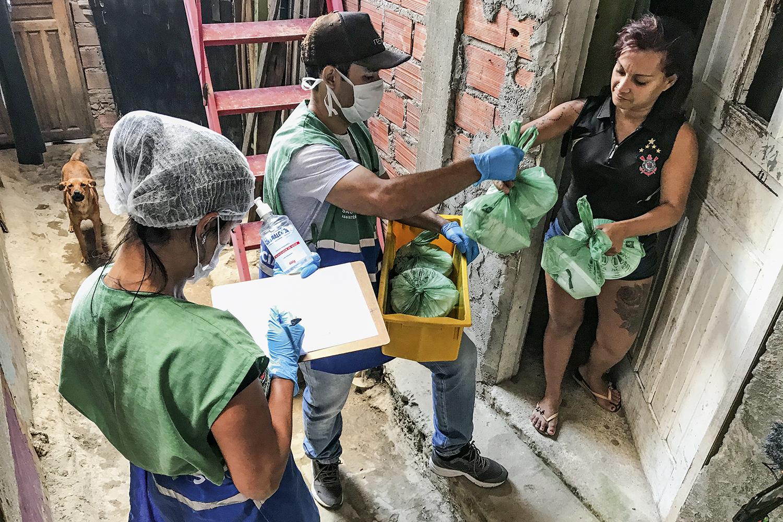 Os dramas das comunidades mais pobres do Brasil em meio à pandemia | VEJA