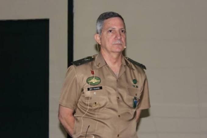 General Eduardo José Barbosa, presidente do Clube Militar