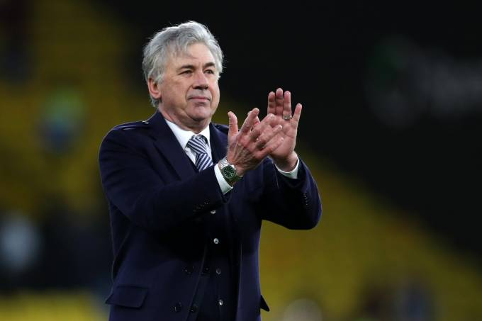 Carlo Ancelotti, treinador do Everton