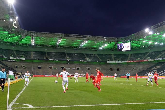 Último jogo do Borussia Moenchengladbach diante do Colônia foi realizado com portões fechados