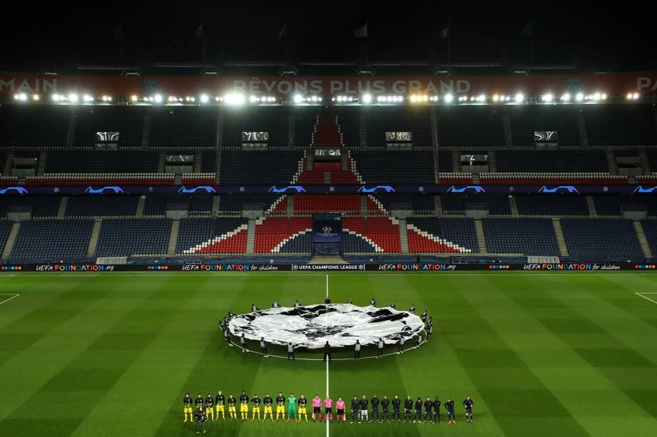 Estádio vazio para o duelo entre PSG x Borussia Dortmund, em Paris