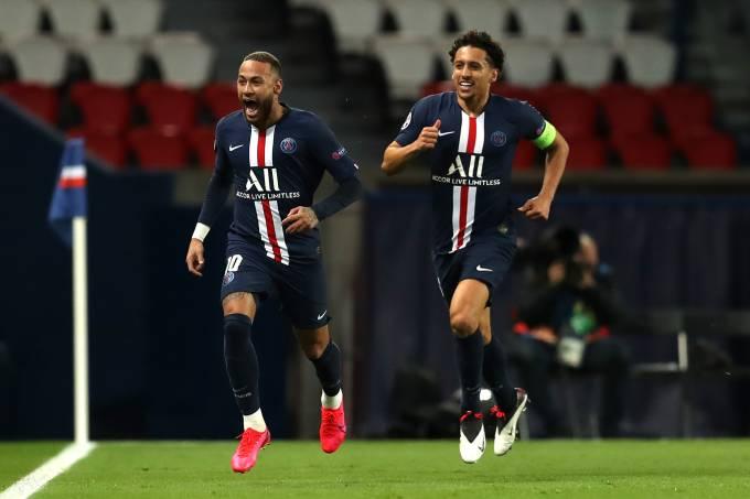 Neymar comemora com Marquinhos seu gol contra o Borussia Dortmund