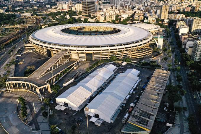 Hospital de campanha no Maracanã
