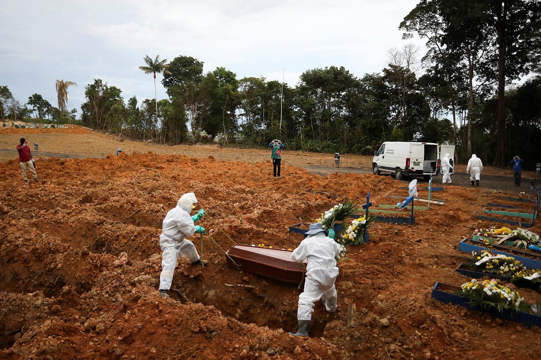 Coronavírus: Com 1.349 mortes em 24 horas, Brasil registra recorde ...