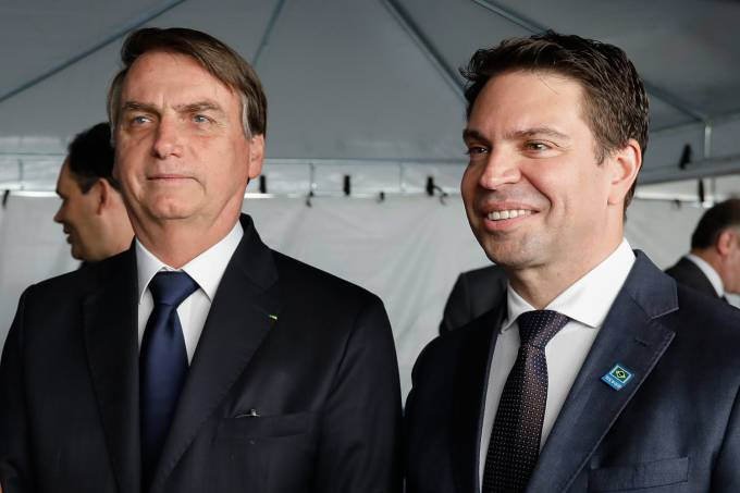 Chefe da Abin entra na campanha de Bolsonaro