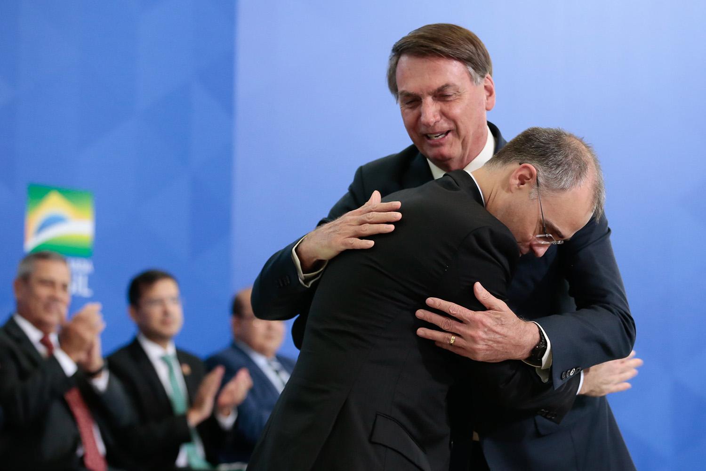 André Mendonça, nome indicado por Bolsonaro a uma vaga no STF: histórico de votações do Senado é favorável ao ministro