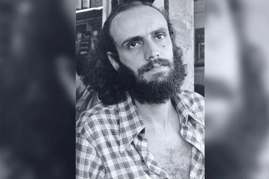 Aldir Blanc em um bar, em 1976