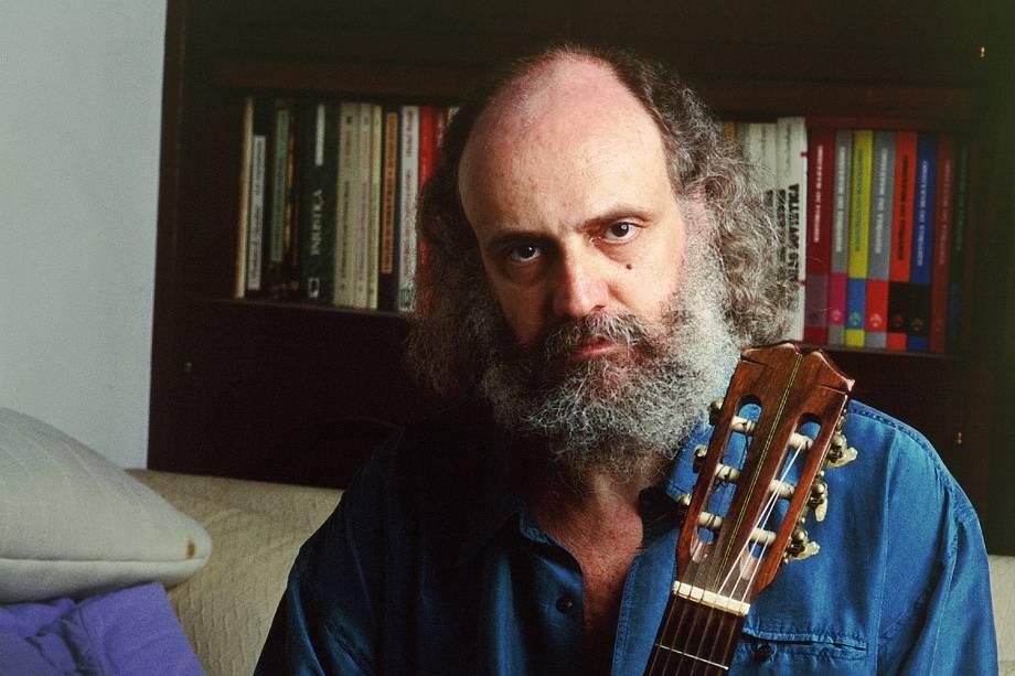 Aldir Blanc em sua casa no Rio de Janeiro, em 1993