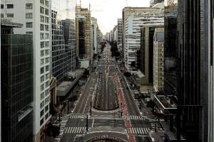 Avenida Paulista durante quarentena do coronavírus 4.4.20