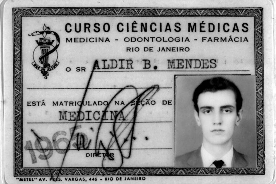 Carteira de estudante de medicina de Aldir Blanc