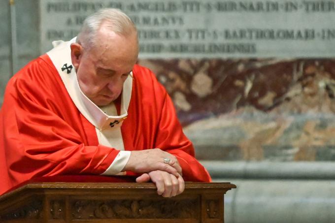 Papa celebra missa de Domingo de Ramos no Vaticano
