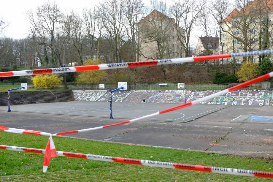 Quadras de basquete fechadas na cidade de Kassel, na Alemanha