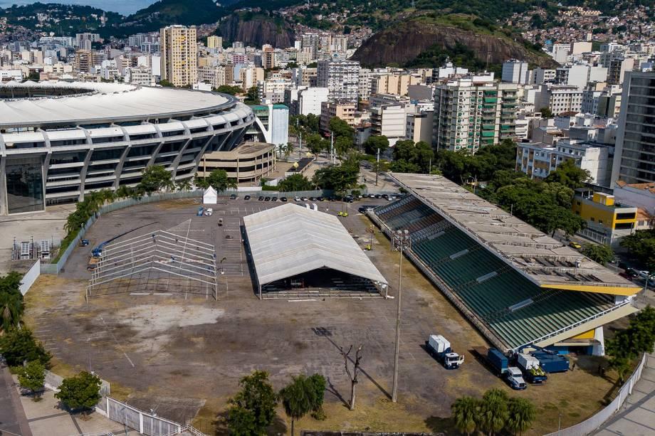 Vista aérea do complexo do Maracanã, onde um hospital com capacidade para 900 leitos foi montado