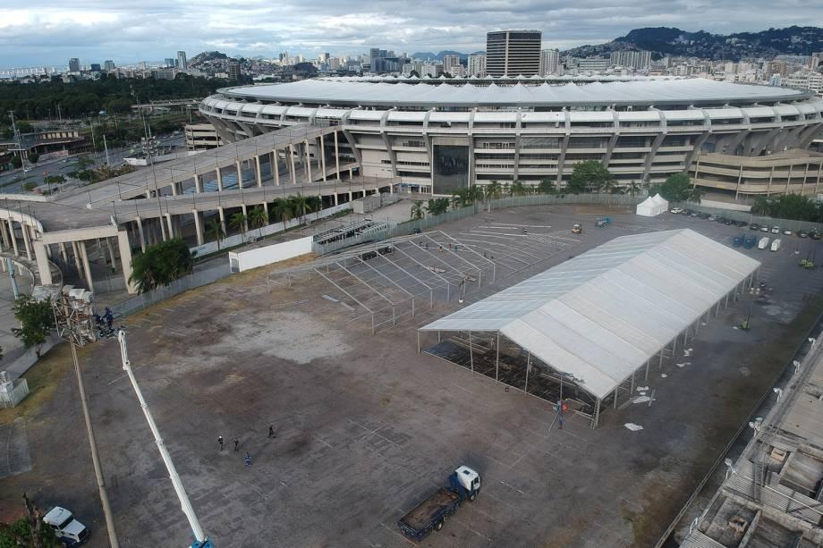 Hospital de campanha criado para cuidar dos infectados com coronavírus no estádio do Maracanã, Rio de Janeiro