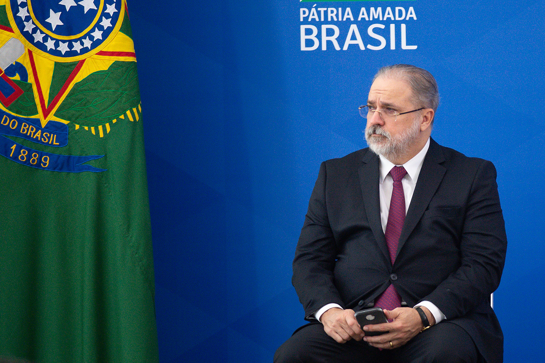RISCO DE PROCESSO -Aras: pedido de investigação por denunciação caluniosa e crime contra a honra do presidente