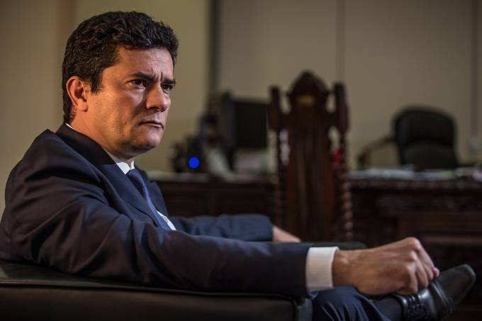 Minister of Justice Sergio Moro Threatens to Resign if Federal Police Chief is Fired