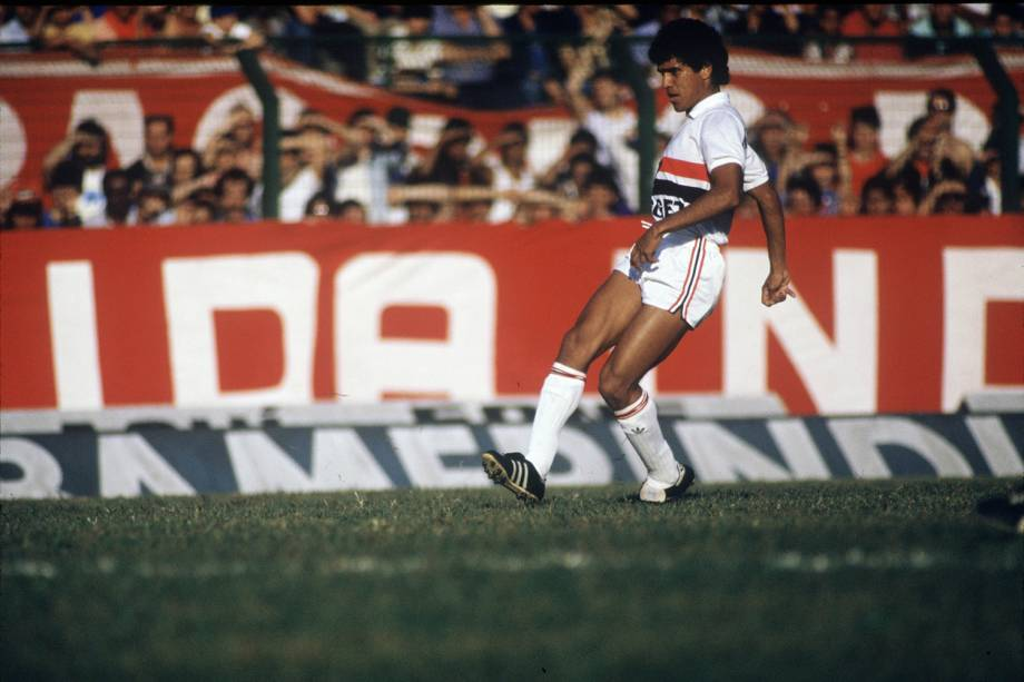 Silas, do São Paulo, durante jogo contra o Palmeiras, pelo Campeonato Paulista, em 1986
