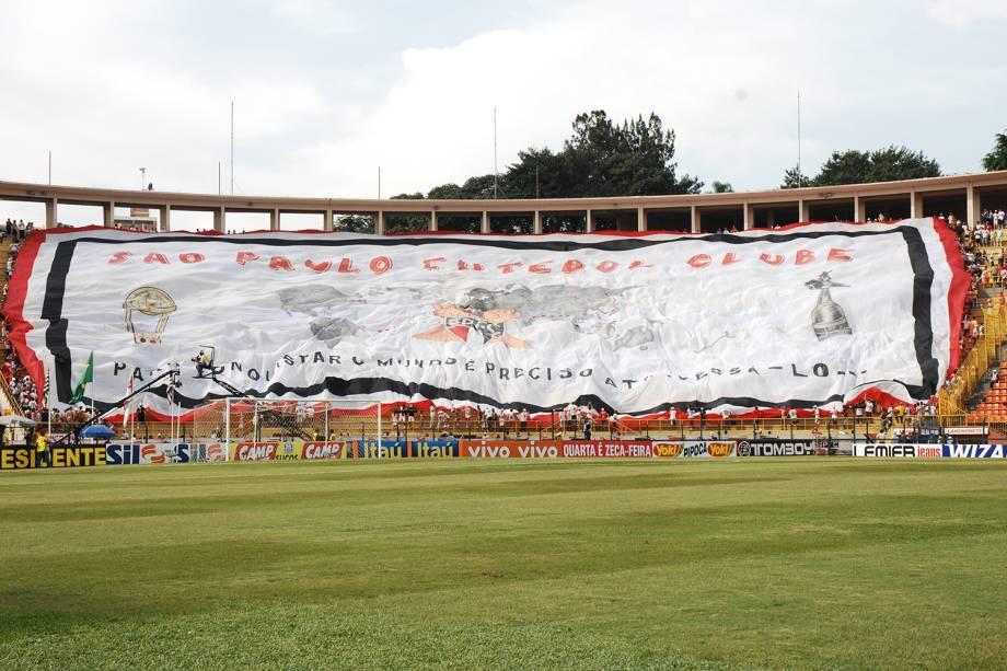 Torcida do São Paulo durante jogo da semifinal contra o São Caetano, em 2007