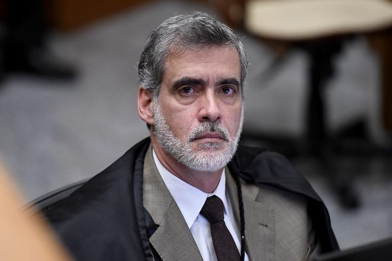 """Ministro do STJ diz que Brasil tem """"(des)governo na área da Saúde""""   VEJA"""