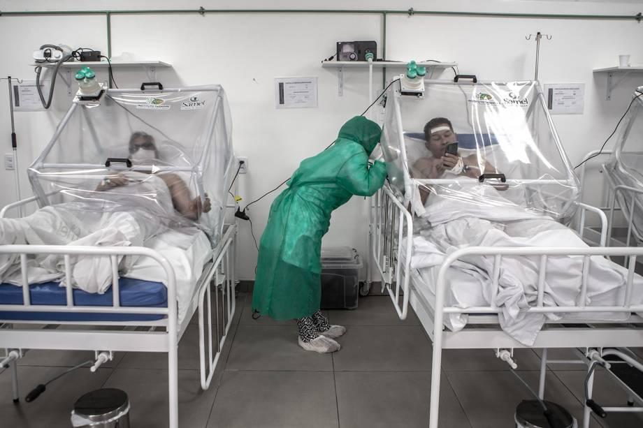 Batizada de Cápsula Vanessa, a estrutura de plástico em volta dos pacientes é uma tecnologia que foi desenvolvida em Manaus